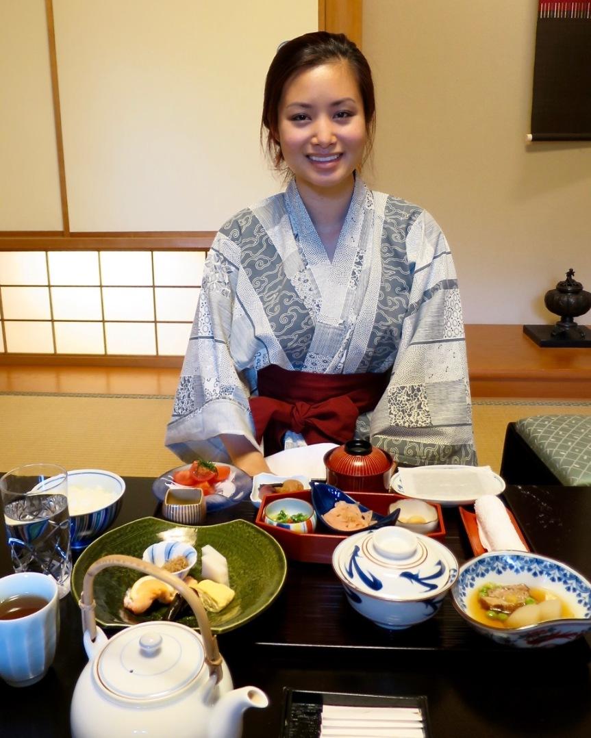 Experiencing a Japanese Ryokan – Ryotei RangetsuArashiyama