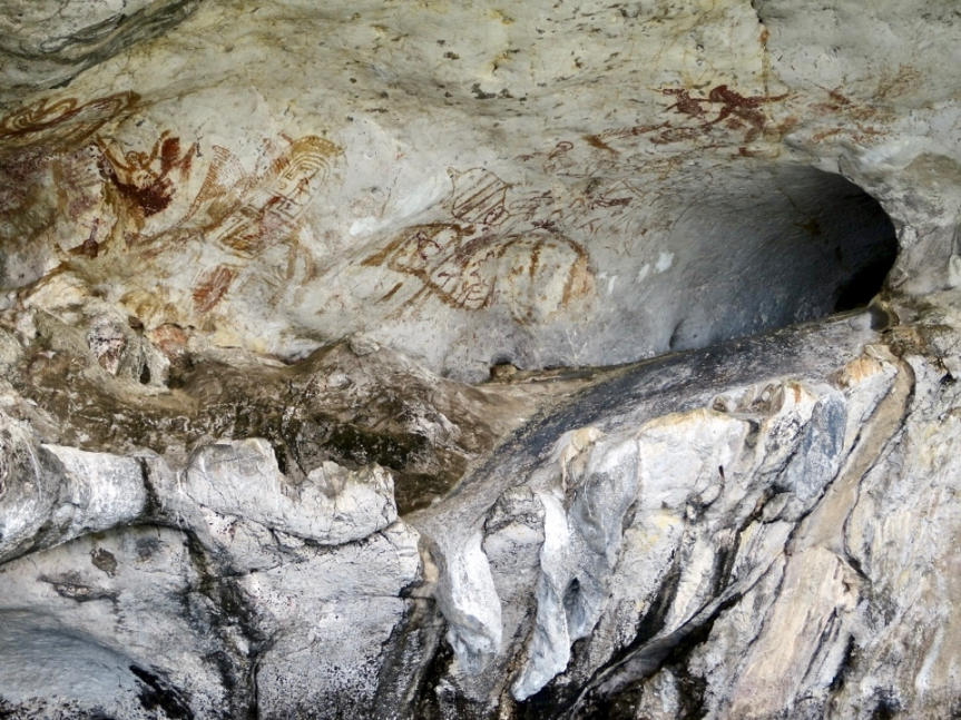 1,500 year old cave paintings at Kao Kee-un (Drawing Mountain)